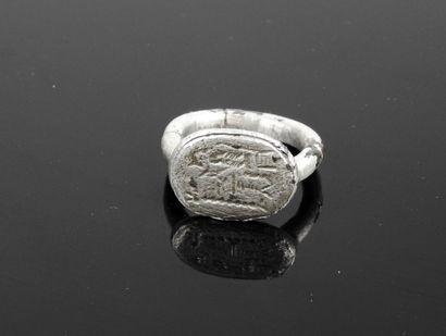 Bague sceau à décor de Zeus sur un trône,...