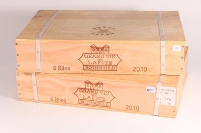 12 bouteilles Château Lafite Rothschild 2010...