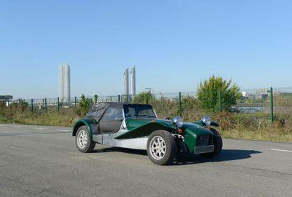 Un Cabriolet 2 places de marque CATERHAM...