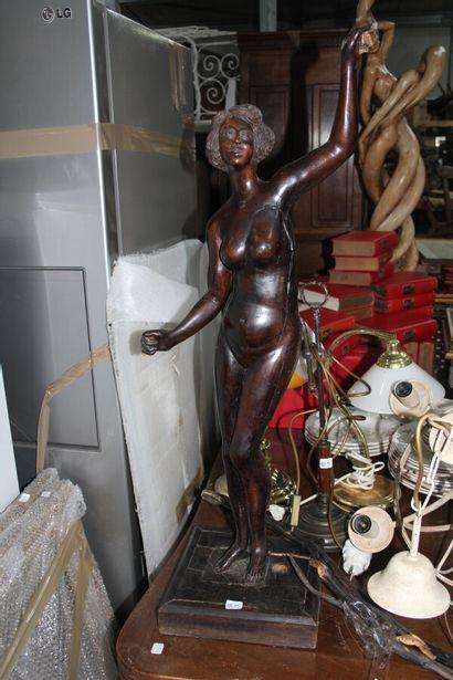 Sujet en bois sculpté  Nue  Début XXème siècle....