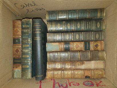 VARIA  2 cartons de divers ouvrages reliés,...