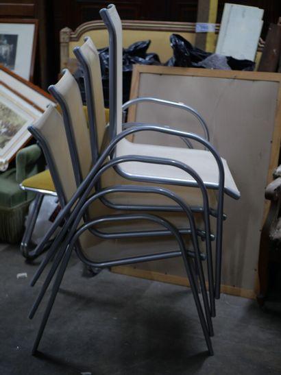 Quatre fauteuils de jardin, structure en...