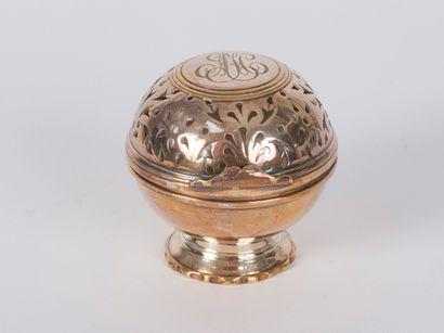 Boule à éponge en métal argenté XIXème siècle,...