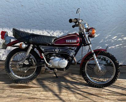 YAMAHA GT 80 type477 vélomoteur MTT1 bordeaux et noir, 2 places mini enduro du 23/12/1975...