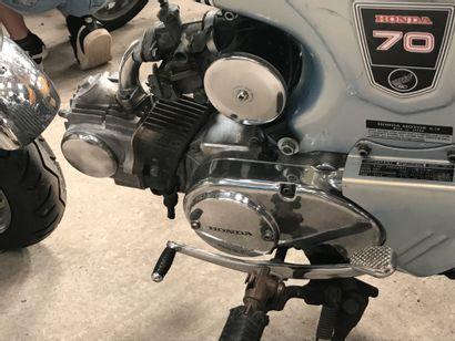 HONDA type ST 70 DAX vélomoteur MTL gris bleu et chromes, 2 places du 08/05/1974...