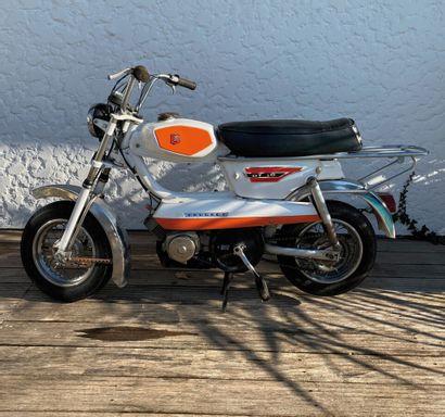 PEUGEOT type GT 10 moped CL white, orange...