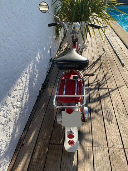 HONDA type P50 cyclomoteur CL rouge et blanc, 1 place du 01/06/1968 n° de série...