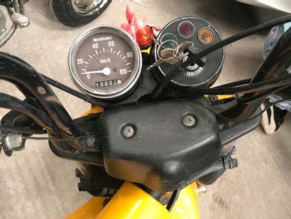 SUZUKI Ovni 80 type LC11A vélomoteur MTL jaune, 2 places du 04/10/1985 n° de série...