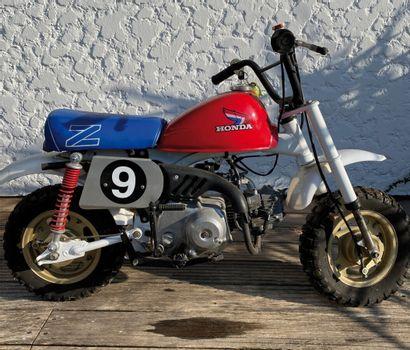 HONDA Monkey type Z50JZ from the 70's white...