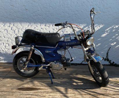ROCKET type MC1RT cyclomoteur CL bleu et chromes, 2 places du 07/04/1976 n° de série...