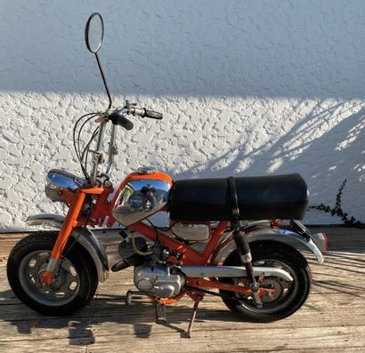 BENELLI type Dynamo moped CL orange and...