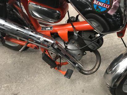 BENELLI type Dynamo cyclomoteur CL orange et chromes, 2 places du 24/01/1973 n°...