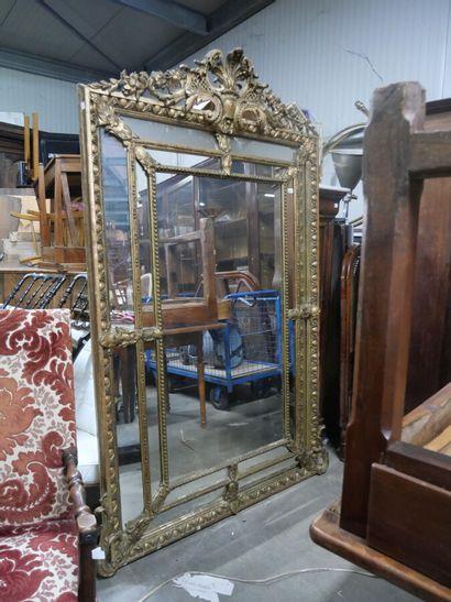 Grand miroir à parcloses en bois et stuc...