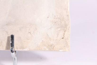 """Plaque bas-relief en plâtre  """"Jeune fille de profil""""  Signée J. JOZON et datée 1808..."""