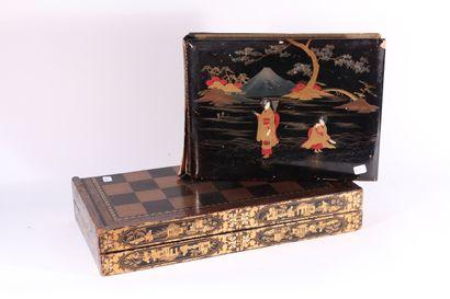 Damier et jeu de Backgammon en bois laqué...