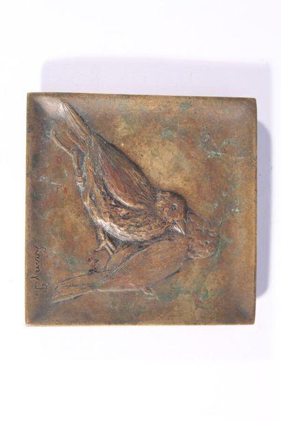 Vide-poches en bronze à décor d'oiseaux branchés...
