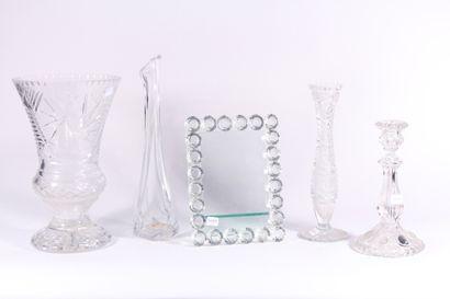 Ensemble de cristallerie comprenant un vase...