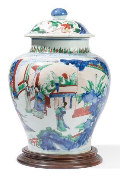 Grande potiche couverte en porcelaine Wucai...
