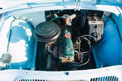 RENAULT Berline 4 portes Dauphine type R1090 de 1958, n° de série 3072142 de couleur...