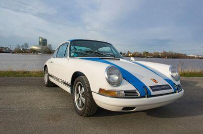PORSCHE Coupé sportif type 911S 2 litres du 19/04/1967, n° de série 307513S de couleur...