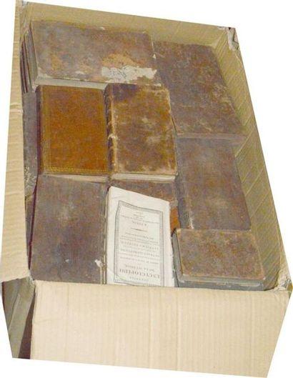 Reliures XVIIIe: un carton de volumes In-12...
