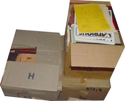 Afrique: 3 cartons de publications diverses...