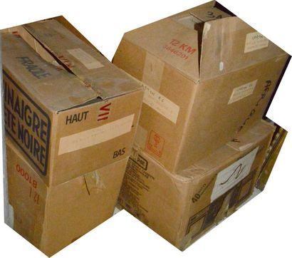 Afrique: 4 cartons de publications diverses...