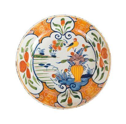 Delft Plat rond en faïence décor polychrome...