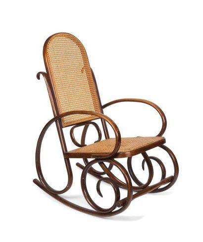 Fauteuil rocking-chair en bois étuvé et courbé...