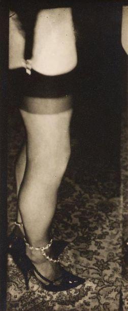 Pierre MOLINIER 1900-1976 « Mes jambes enchainées...