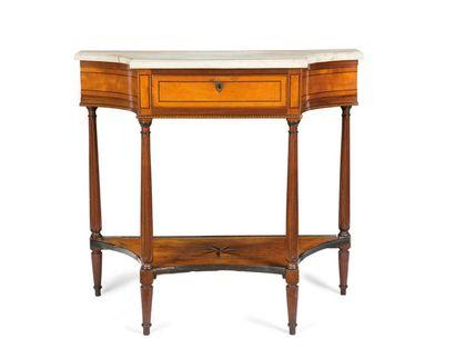 Table console en bois fruitier, les côtés...