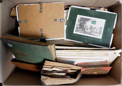 2 cartons : Timbres + CPA/CPSM + Photos familiales....