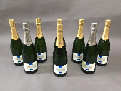 8 bouteilles de champagne Lacuisse frère...