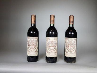 3 bouteilles de CHÂTEAU PICHON LONGUEVILLE...