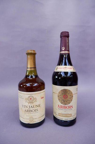 Une bouteille de vin jaune d'Arbois, August...
