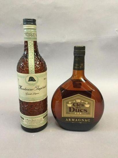1 bouteille d'Armagnac clés des Ducs et 1...