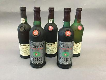3 bouteilles de Porto TAYLORS 10 an d'âg...