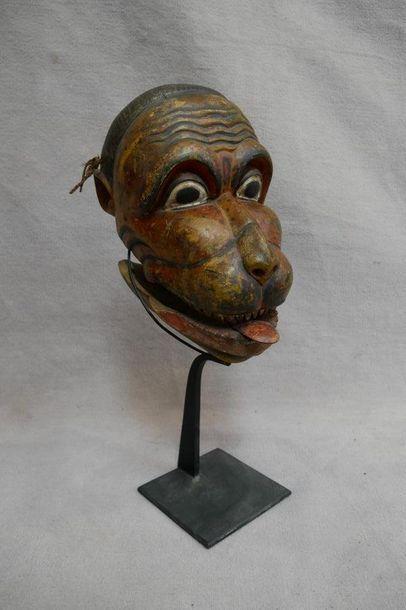 Masque d'exorcisme en deux parties en bois...