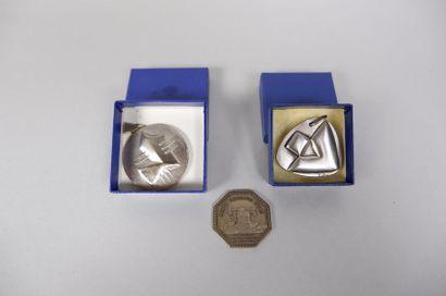 Lot de 3 médailles en argent :