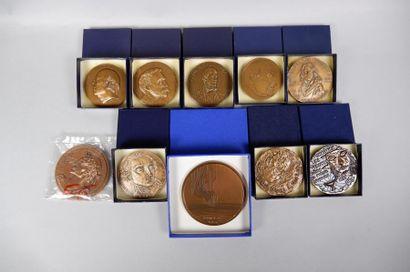 Lot de 20 médailles en bronze sur les thèmes de la littérature, poésie, théâtr...