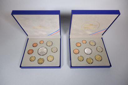 Monnaie de Paris. 2 coffrets 2011-2012. 18...