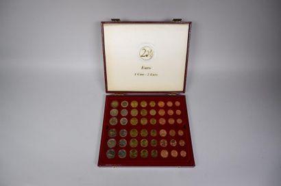 Coffret d'euros 1 cent - 2 euros de 76 pièces...