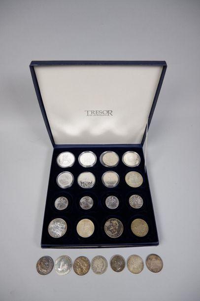 Coffret pièces diverses dont 50F argent,...