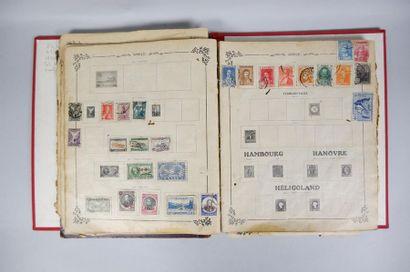 1 album de timbres : Monde + Billets indiens...