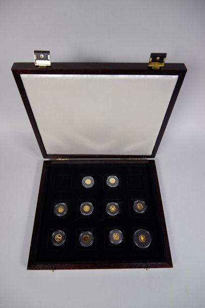 Collection de 10 pièces en or 18 cts (999°/°°...