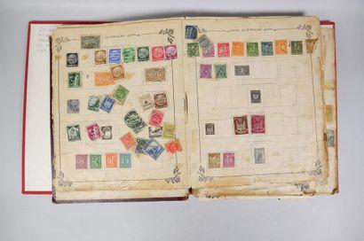 1 album de timbres : Monde + Billets indiens période 1880-1900. B.