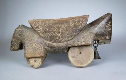 Jouet en bois composé d'un cheval bicéphale...