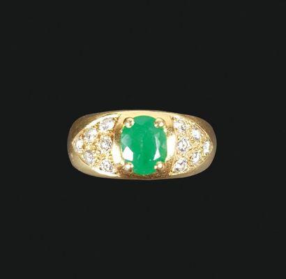 Bague en or jaune 18K (750°/°°), l'anneau...