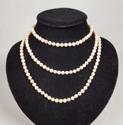 Grand collier de cent-quatre-vingt-douze...