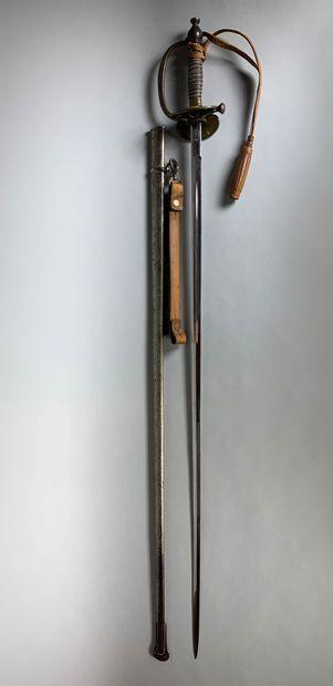 Epée avec fourreau. Médecin militaire.  XIXe...